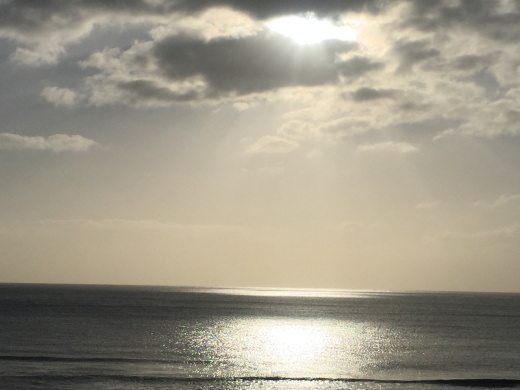 世界一長いベンチの海